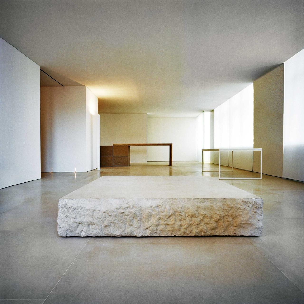 Io no i progetti recenti di claudio silvestrin for Minimalist apartment nyc