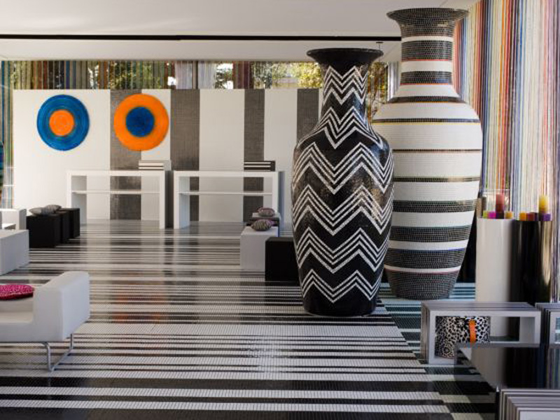 I vasi in mosaico trend firmano gli hotel missoni for Vasi design per interni