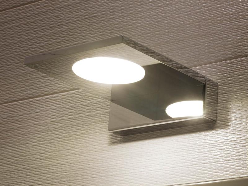 Vintage o led le nuove lampade di regia - Applique per il bagno ...