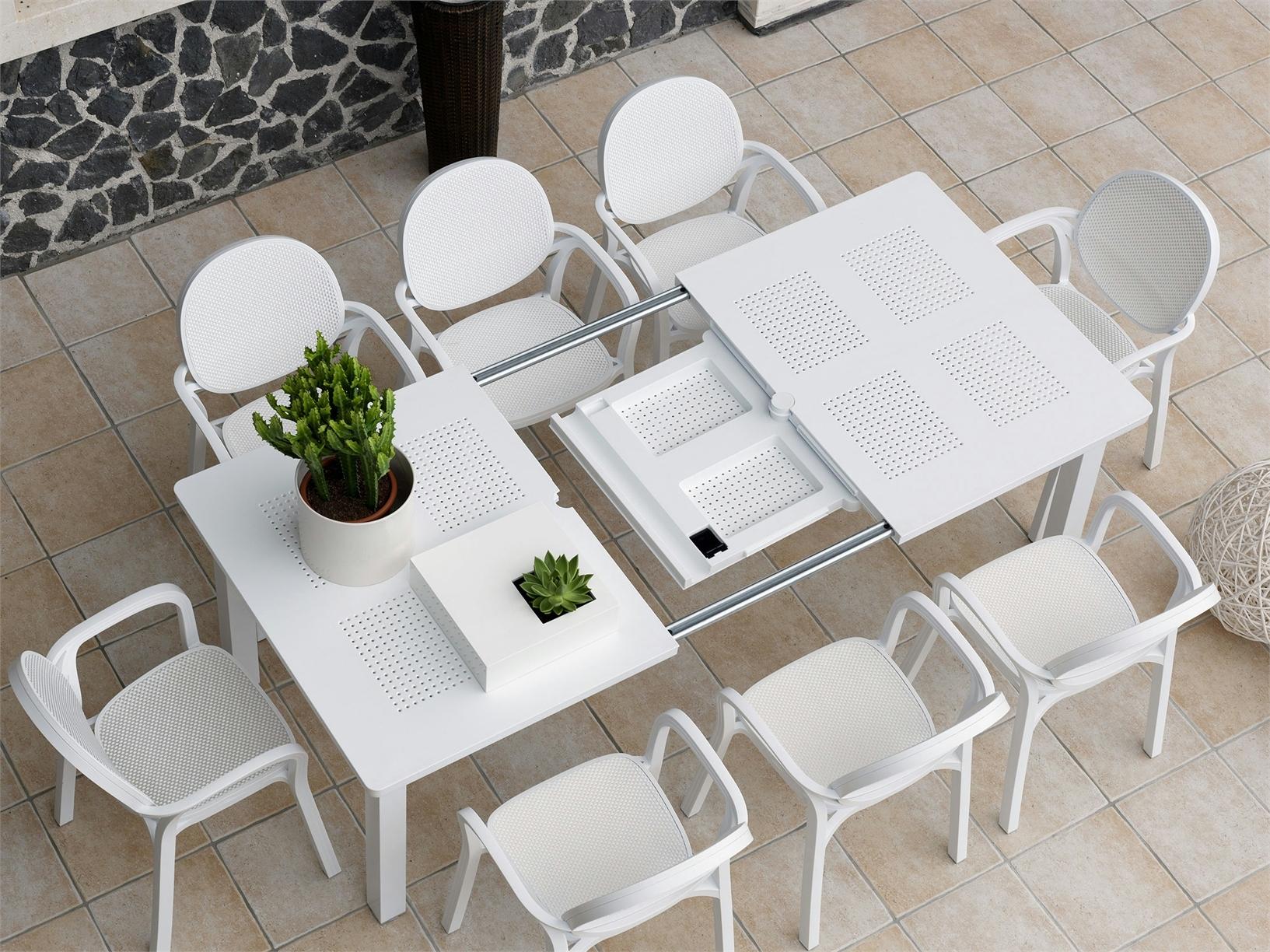 Levante il tavolo da giardino by nardi for Mobili da giardino in resina