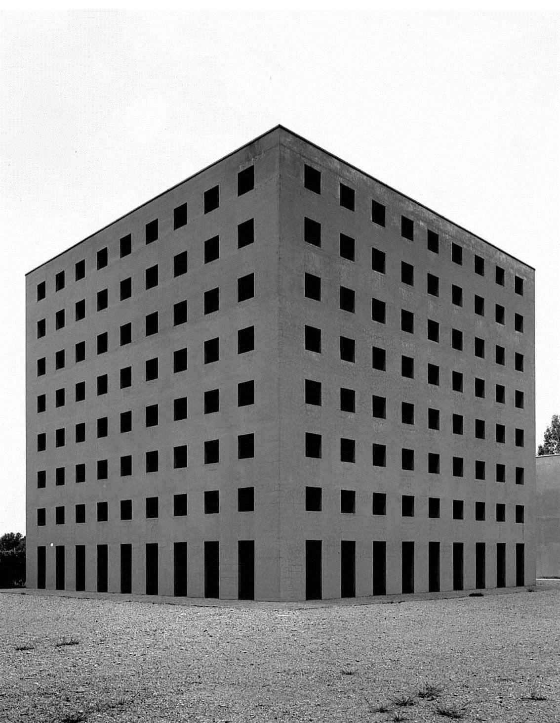 E 39 morto gabriele basilico il fotografo dei paesaggi urbani for Aldo rossi architettura della citta
