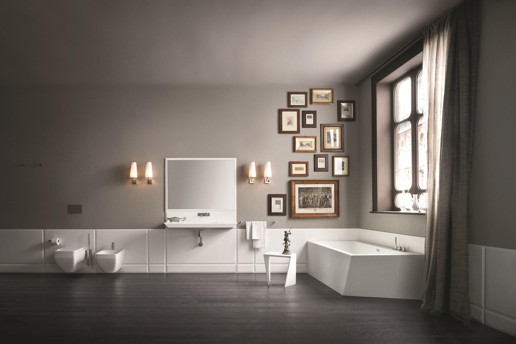 boiserie ceramica per bagno: un grande mobile da bagno con il ... - Boiserie Bagno Classico