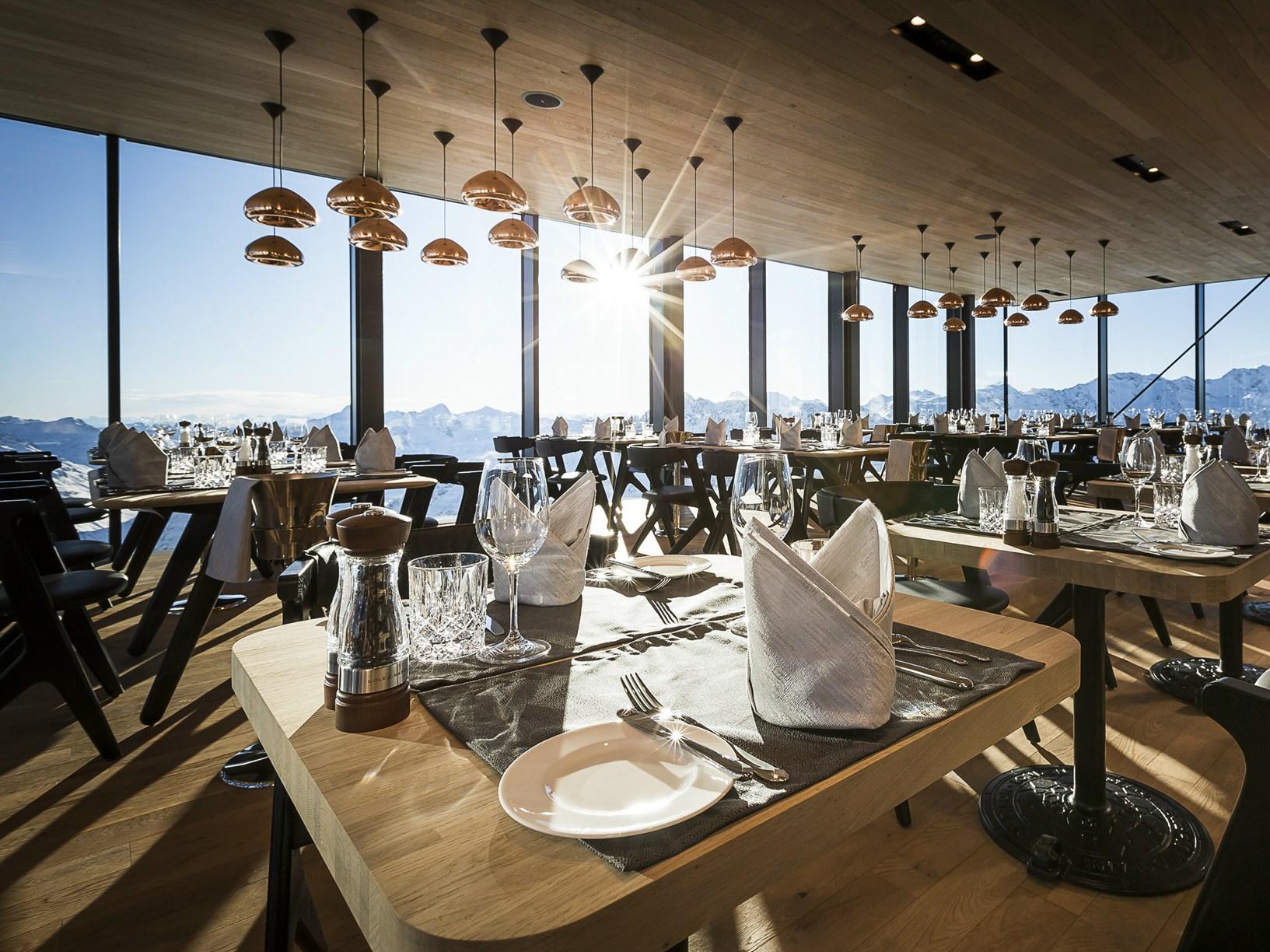 Tirolo nasce ice q il ristorante gourmet a 3000 mt for Ristoranti di design