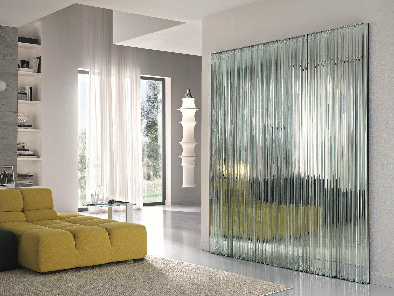 La nuova collezione di arredi in vetro tonelli design for Arredamento di design tedesco