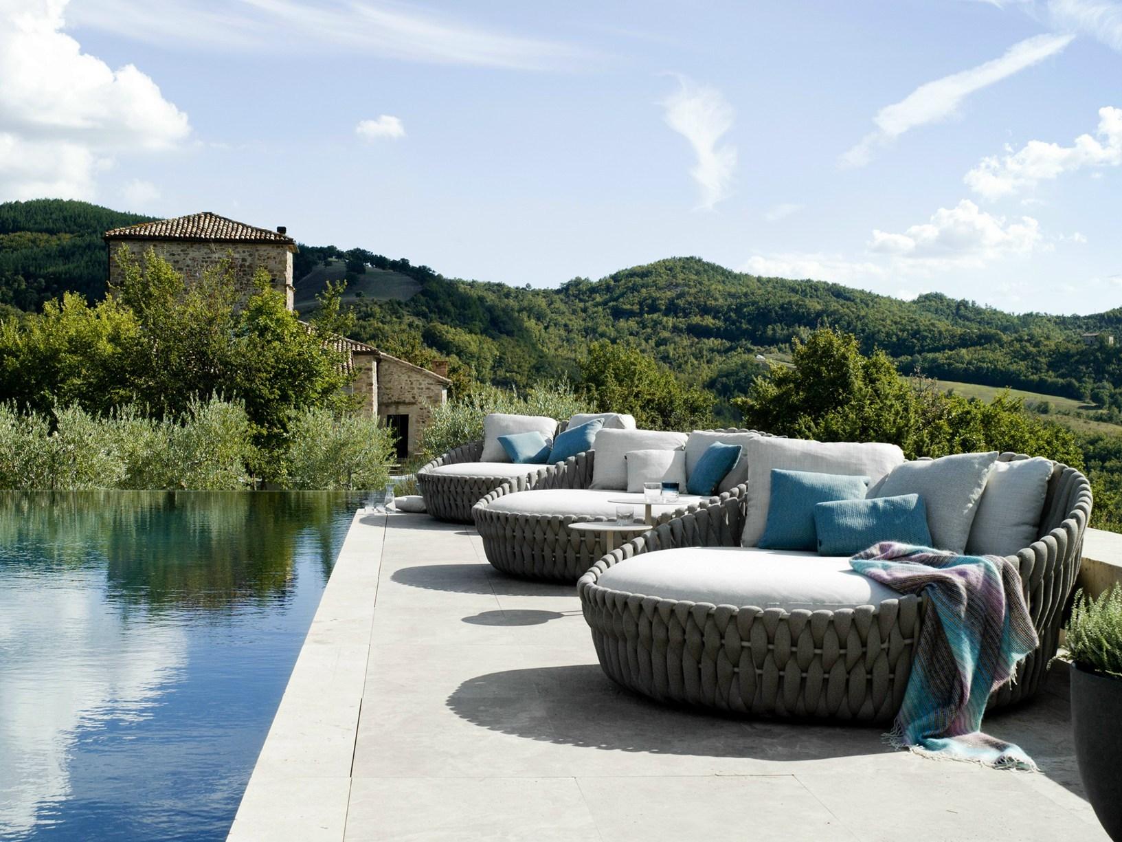Trib presenta le nuove collezioni outdoor ai saloni for Outdoor mobili