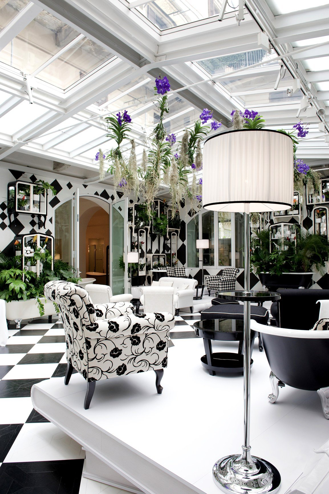 devon devon inaugura il nuovo store nel cuore di brera. Black Bedroom Furniture Sets. Home Design Ideas