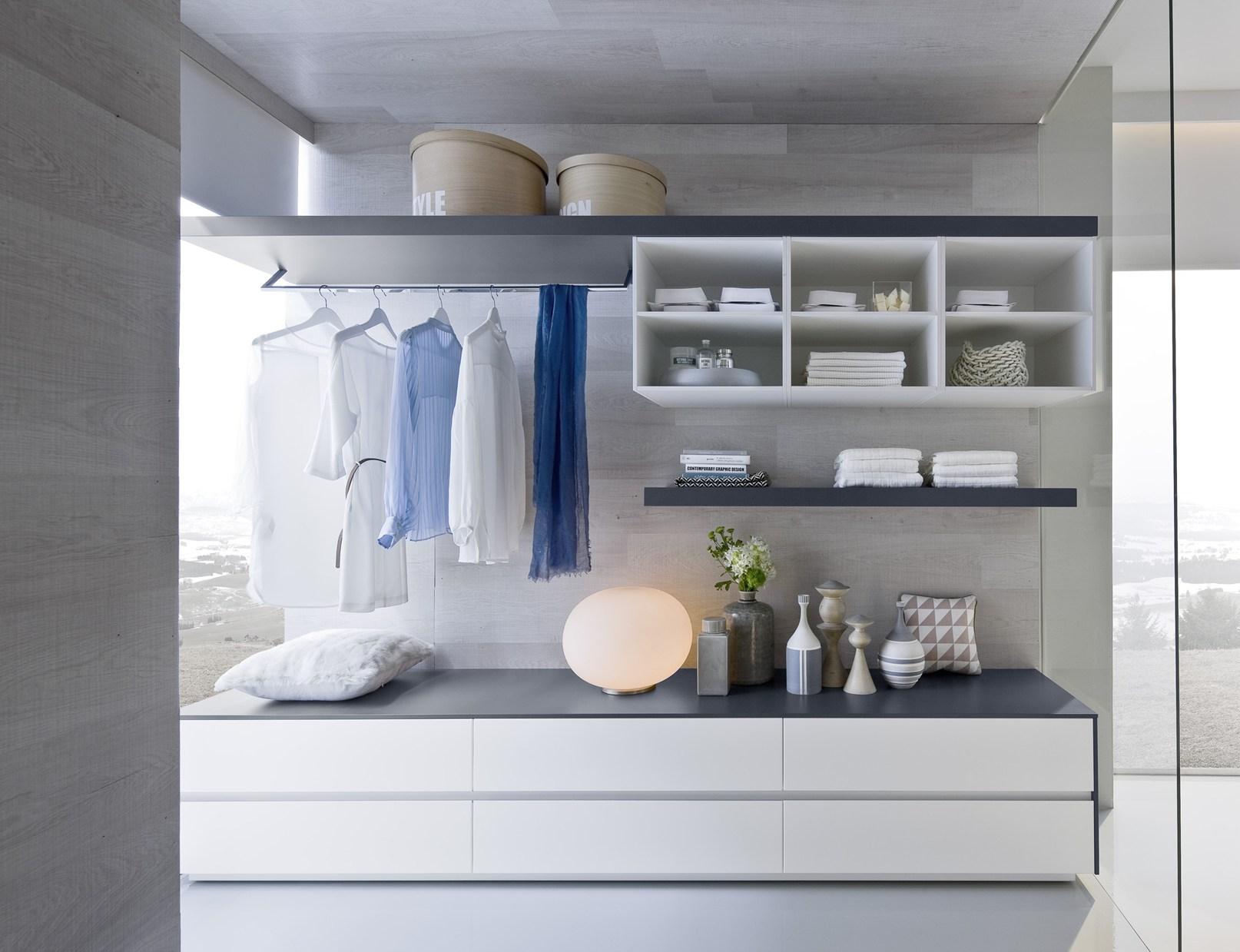 Bagno e cabina armadio in continuit stilistica for Cabina armadio attraverso il bagno