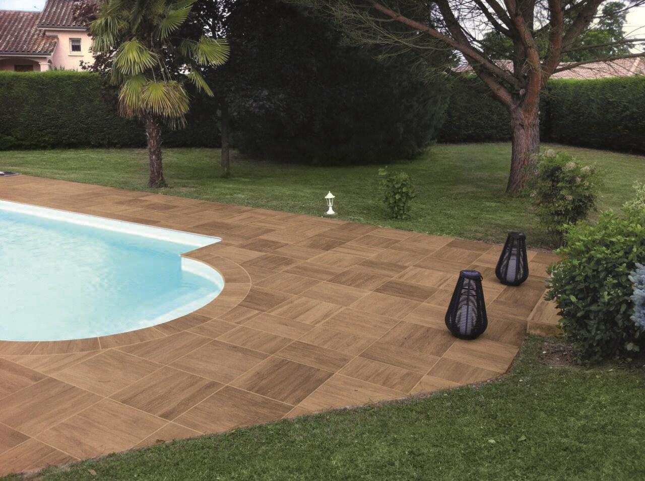 Pavimenti spessorati per piscine e aree benessere - Pavimenti bordo piscina in legno ...