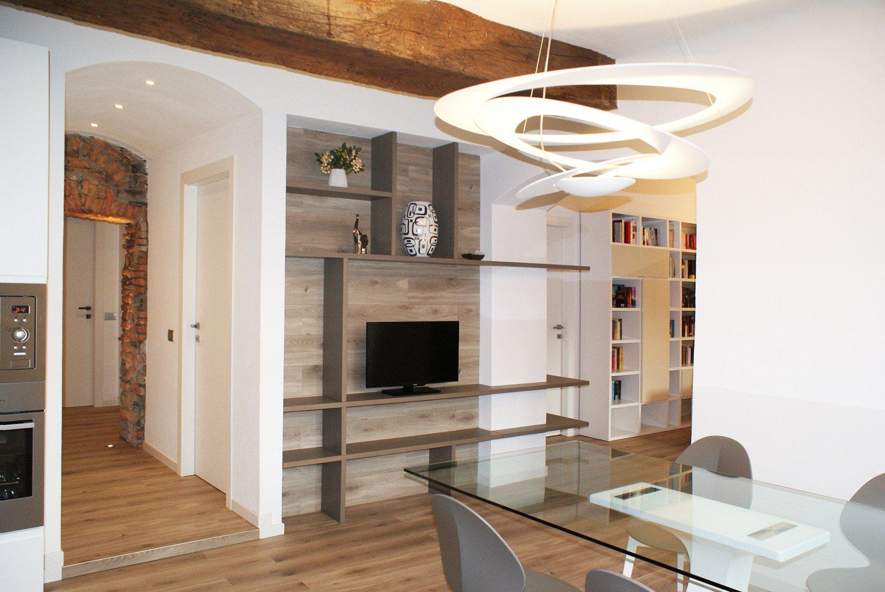 Decorazione bagno soffitto for Arredare casa con travi a vista