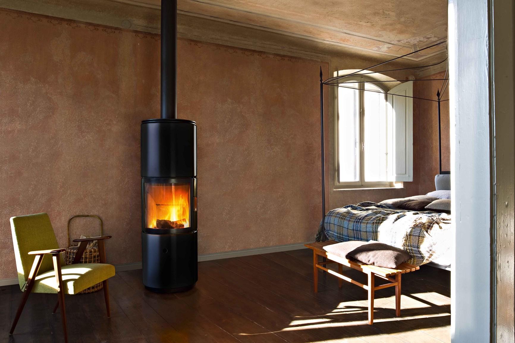 Design minimal per stufe a pellet o legna for Stufe a pellet design