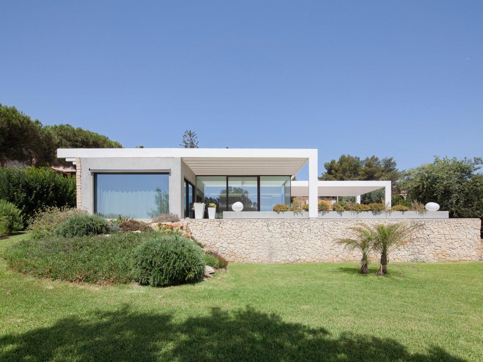 Un architettura leggera immersa nella natura siciliana for Case da architetto