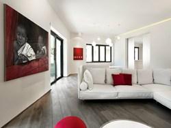 Nella roma storica il celio apartment di carola vannini - Porta tocca pavimento ...