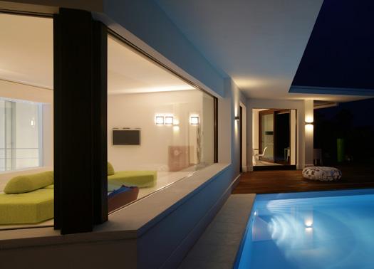 casa c e maison de la lumiere. Black Bedroom Furniture Sets. Home Design Ideas