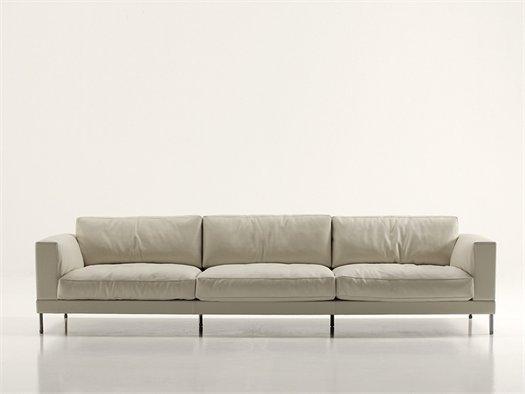 La collezione di divani e sedute di piero lissoni per for Collezione divani e divani