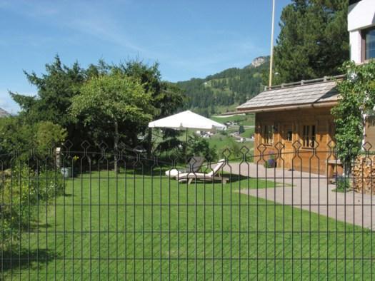 Eleganza in giardino con la recinzione decorativa bekafor - Recinzioni per giardini ...