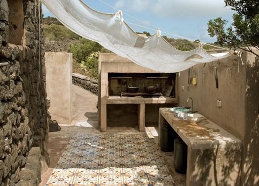 Pantelleria il buen ritiro di flavio albanese for Architetto per interni
