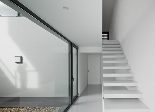 Dj house dialogo tra esterno e interno per la residenza - Scale per esterno in muratura ...
