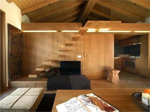 Interno fraciscio a campodolcino architettura scolpita nel legno - Casa in legno economica ...