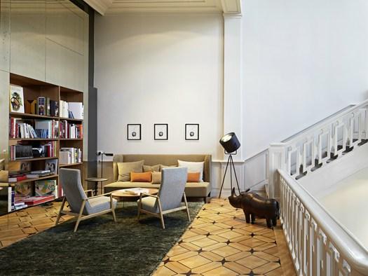 il das stue di berlino il nuovo design hotel di patricia. Black Bedroom Furniture Sets. Home Design Ideas