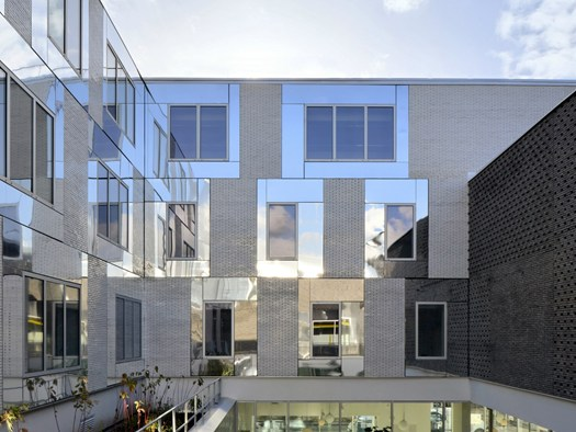 Montreuil polytechnic extension disegnata da atelier 2 3 4 for Architettura disegnata