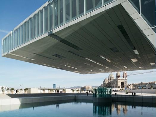 Villa m diterran e di boeri una piazza d 39 acqua tra terra for Piani di ville mediterranee