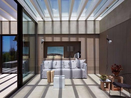 Sicilia la villa vista mare firmata da iraci architetti for Case realizzate da architetti