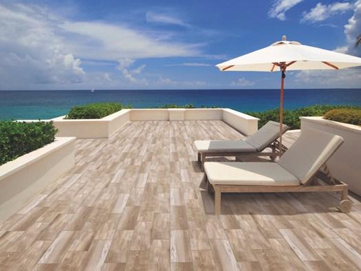 Pavimenti e i rivestimenti ceramici per l 39 outdoor for Interni moderni case spagnole