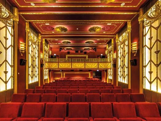 Riapre il Cinema Fulgor di Rimini ed è subito 'amarcord' - image h_62972_01 on http://www.designedoo.it