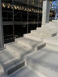 Elemento strutturale prefabbricato in cemento armato - Gradoni