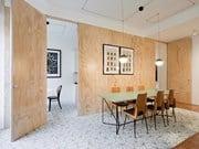 La casa di due giovani collezionisti nel cuore di Milano