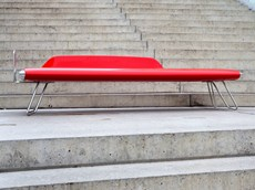 The innovative bench ICON by Vestre wins the Red Dot Design Award