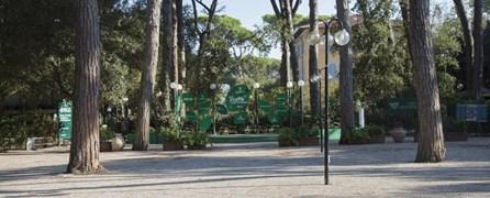 """Marina di Pietrasanta: una copertura per """"Incontri al caffè"""""""