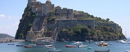 Il concorso internazionale di idee 'Saluti da Ischia Ponte'